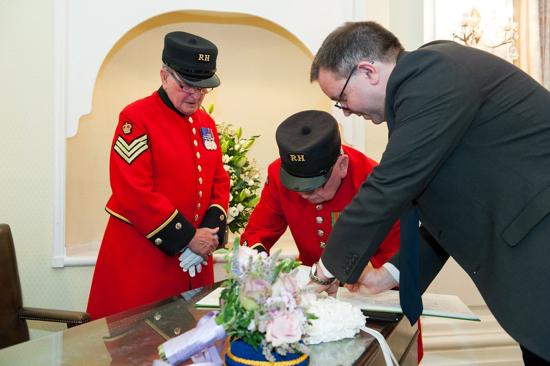 Chelsea Pensioners act as witnessess for Chelsea wedding