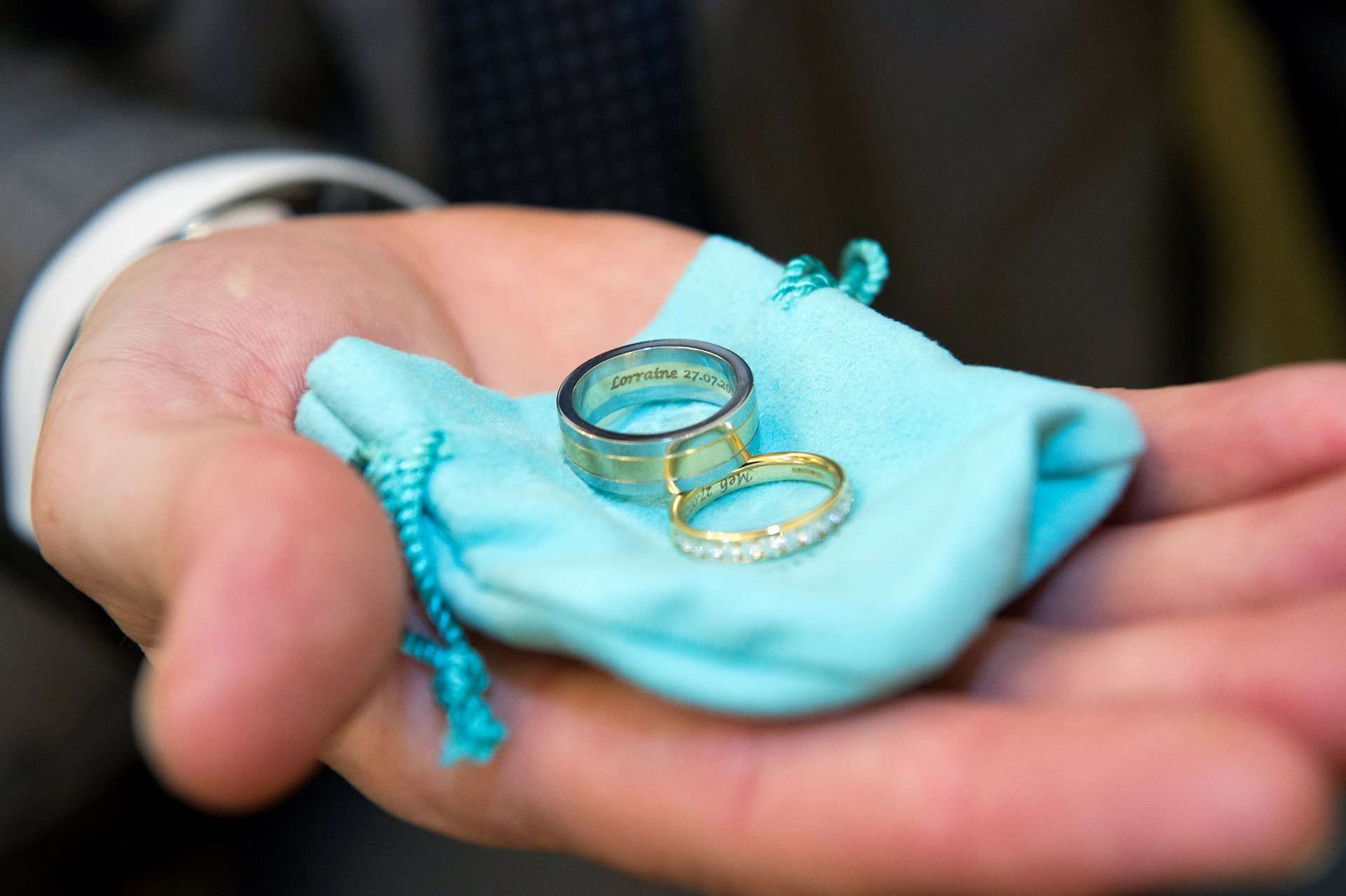 registry office wedding photographer Emma Duggan works at register offices througout London and the South East with coverage from as little as one hour tiffany wedding bands for this chelsea civil wedding ceremony