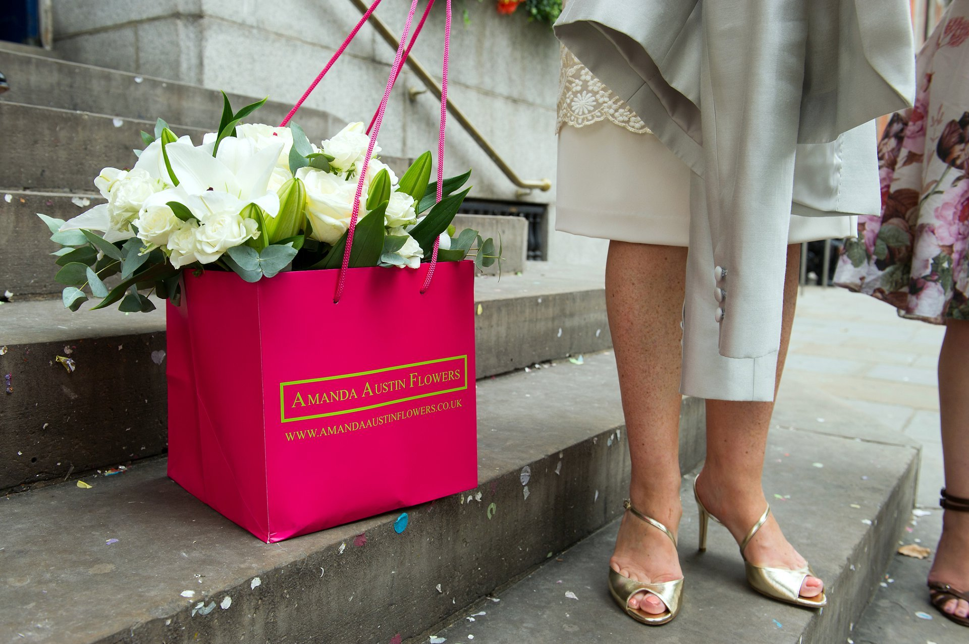 Amanda Austin Flowers on the King's Road in London are ideally positioned to supply your Chelsea Register Office wedding flowers