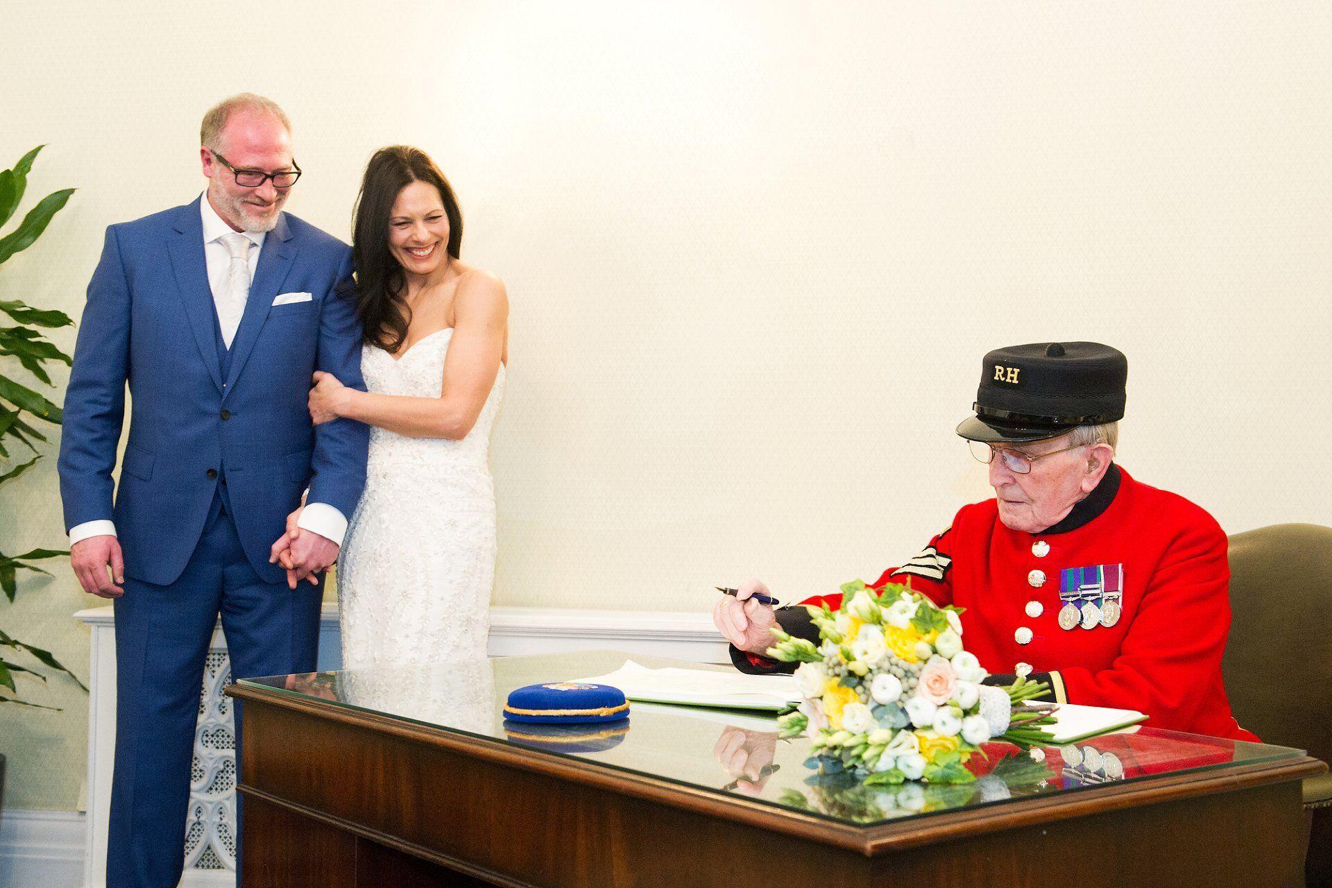 chelsea pensioners witness chelsea register office wedding in rossetti room