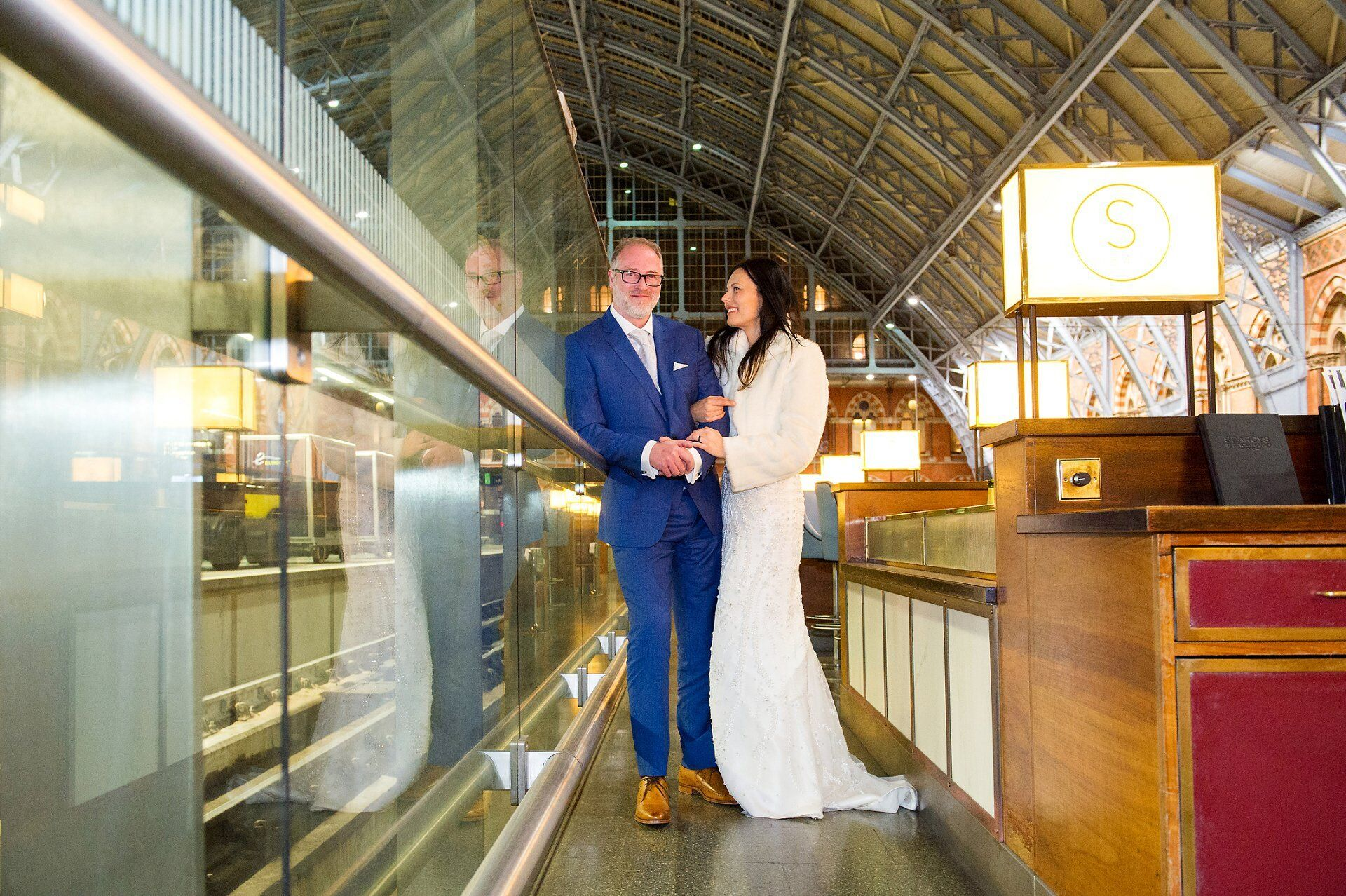 searcys champagne bar st pancras a bride and groom after their chelsea register office wedding