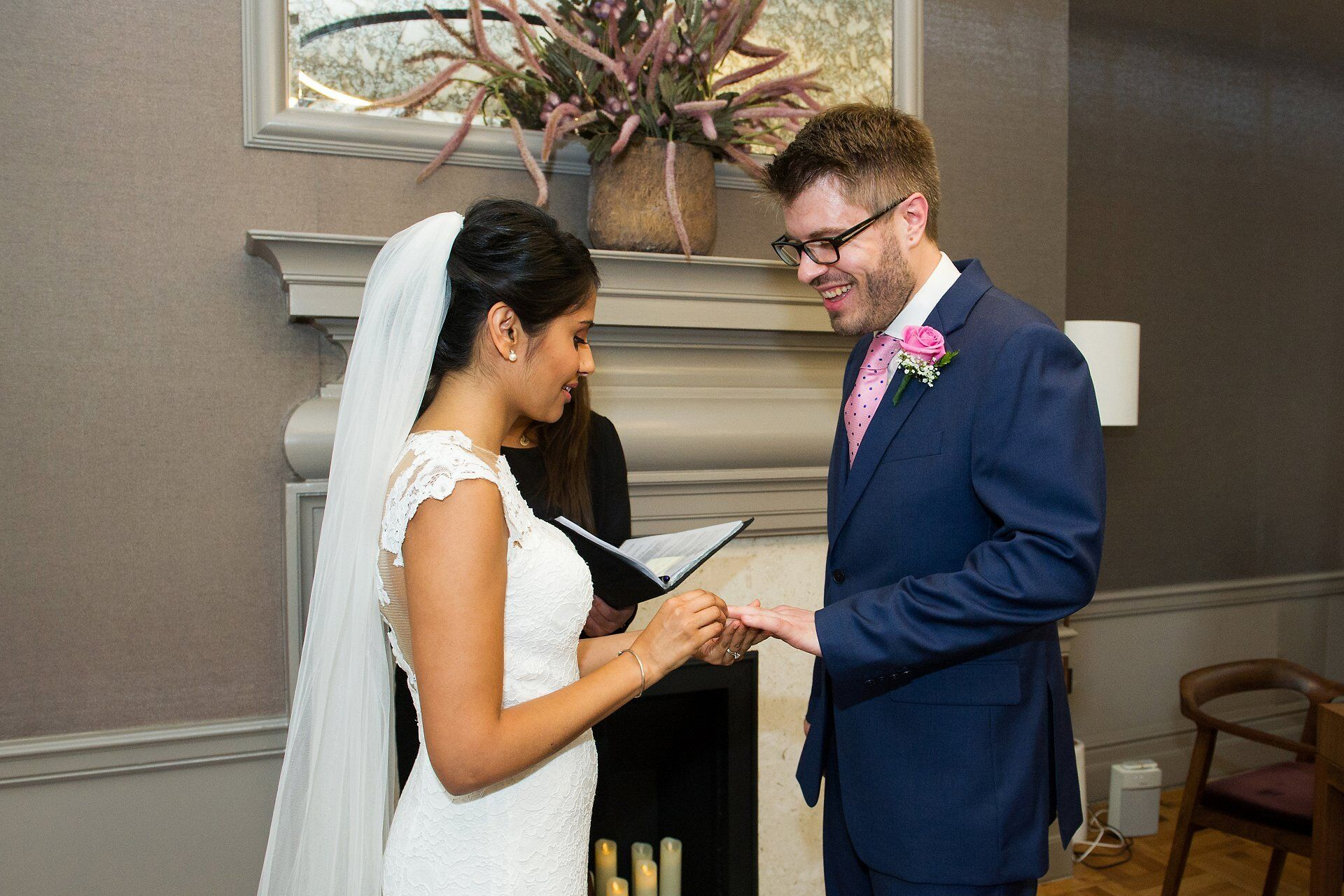 wedding photography by the hour in london for civil ceremonies and short small coverage packages